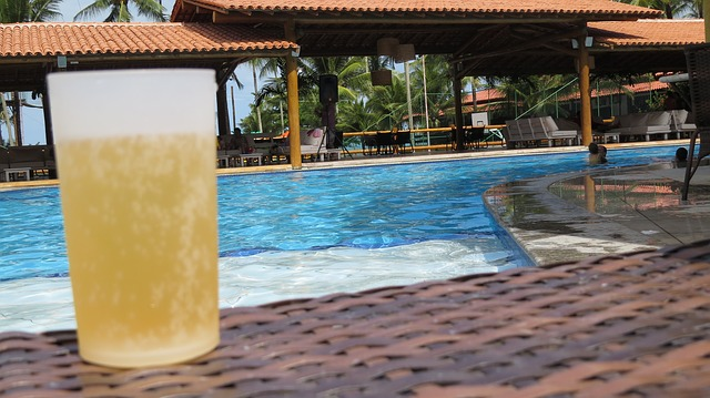 pivo u bazénu