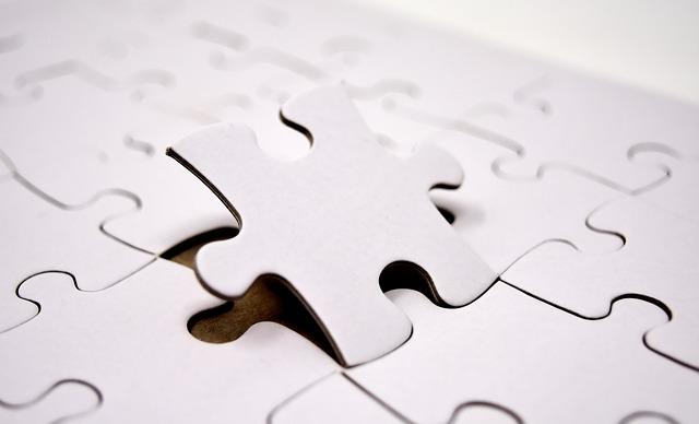bílé puzzle.jpg
