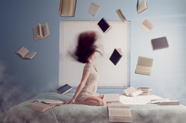 letájící knihy.jpg