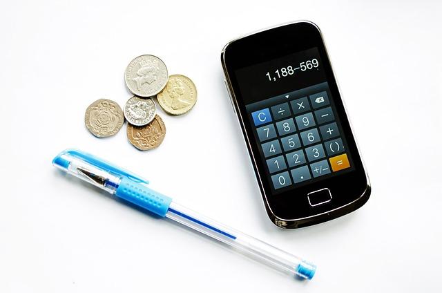 mobil, tužka a mince.jpg