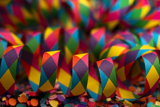 karnevalové papírky
